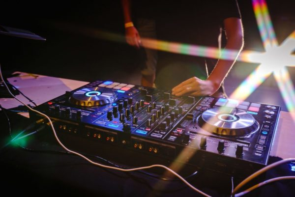 Things To Look For While Buying A DJ Gear